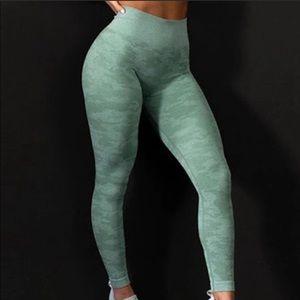 Gymshark Camo seamless leggings - Sage Green